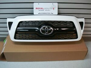 Toyota Tacoma Sport Super White 040 Painted Honeycomb Grille Genuine Oem Oe