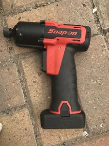 Snap on 1 4 Cordless Impact Wrench Driver Drill Kit Ct761aqc 2 Batteries