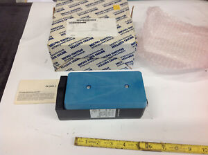 Honeywell Micro Switch Fe mls8c c Photoelectric Sensor 120vac 10a New In Box