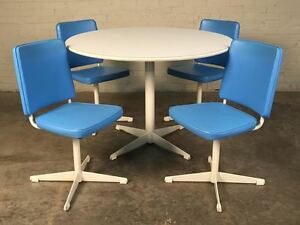 Brody Mid Century Modern Dining Kitchen Table With 4 Chairs Saarinen Style