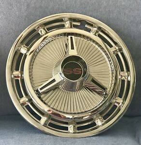 1965 1966 Chevrolet Chevy Impala Ss Hubcaps With Spinners Near Mint Condition