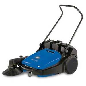 Windsor Radius 280 Deluxe Commercial Floor Sweeper Demo Unit 1 517 205 0
