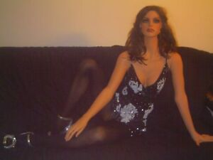 f11 Female Mannequin In Lounging Leaning Position pre owned Good Cond