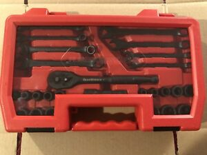 26 Piece Gearwrench Universal Wrench Socket Set