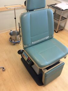 Midmark 411 Power Procedure Table Exam Chair Excellent Condition