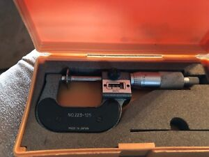 Mitutoyo 223 125 Rolling Digital Counter Disc Micrometer 0 1 Range 001