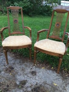 Set Of 2 Vintage Dining Chairs Captains Chair Arms Upholstered Seat 30 L X 42 H