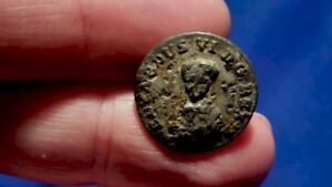 Interesting Unknown Old Pewter Button King Or Queen S Portrait