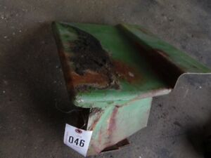 John Deere 2 Cylinder Tractor Rear Panel With Tool Box Tag 046