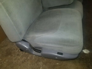 88 97 Ford F150 F250 F350 Bronco Gray Front Manual Cloth Seat Seats Console