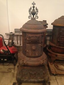 Palace Round Oak Woodstove Parlor Stove With Finial