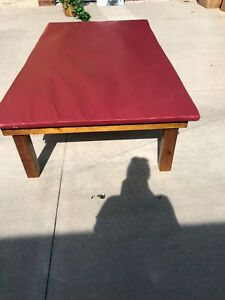 Physical Therapy Upholstered Mat Treatment Table Good Condition