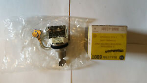 Allen Bradley 2 Position Selector Switch 800t h33d1 Locking