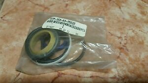 New Komatsu Forklift Steer Cylinder seal Kit part No Ko3eb6405020