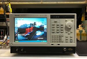 Tektronix Rsa6106a Real time Spectrum Analyzer 9 Khz To 6 2 Ghz Loaded
