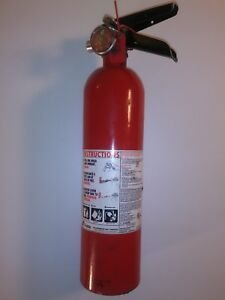 Fire Extinguisher 1a 10b c Dry Chemical 2 1 2 Lb 3 3 8 dia Buckeye 13315