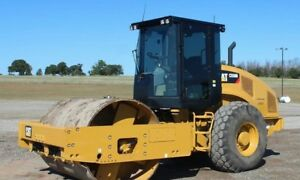 2013 Roller Caterpillar Cat Clean Low Ours