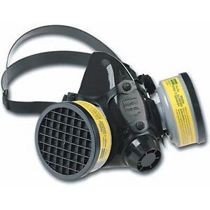 North Safety 7700 Series Half face Mask Respirator Medium Case Of 2