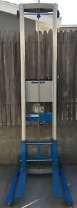 Genie Lift Gl 12 Capacity 350 lb Max Height 12ft Straddle Base