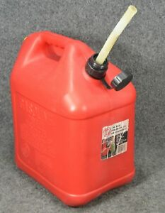 Vintage Blitz 5 Gallon Vented Plastic Gas Can With Spout Model 11833