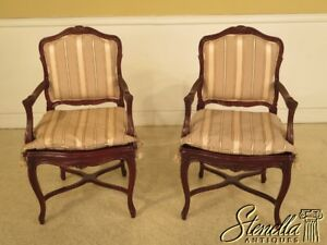 29009e Pair French Louis Xv Style Open Arm Fauteuil Chairs