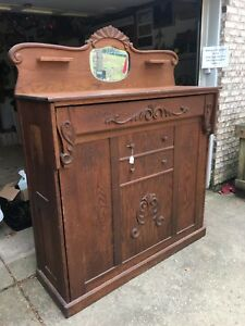 1890s Gorgeous Antique Murphy Bed In Good Condition Folds Out To Be A Bed