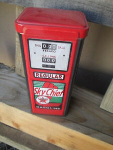 Texaco Gas Pump Display Container The Texas Company Gas Oil Pump Station Sky Ch