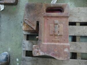 International Harvester Tractor 75 Lb Suitcase Weight Part 383392r1 Tag 2697