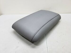 2003 2006 Ford Expedition Center Console Armrest Cover Lid Grey 03 06 Oem Gray