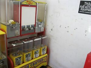 Gumball Toy Vending Machines W rack northwestern