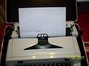 Nice Vintage Royal Typewriter 890 Manual