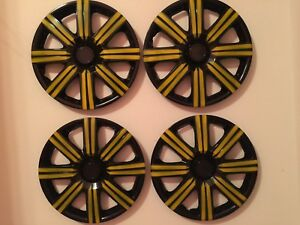 15 Inch Hubcaps Wheel Covers Universal Lot Of 4 Set 16 Pieces Black Yellow
