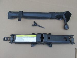 2002 2003 2004 2005 2006 2007 2008 Dodge Ram 1500 Jack And Tool Set
