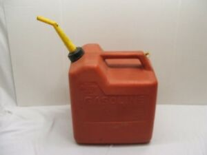 Vtg Chilton 6 Gallon Vented Plastic Gas Can Model P 60 Real Deal Heavy Duty Can