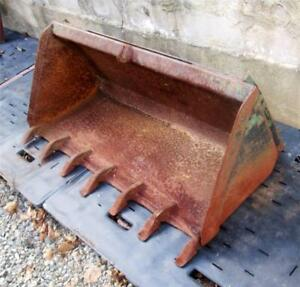 Bobcat 48 Bucket With The Universal Quick Attach System For Skid Steer Loaders