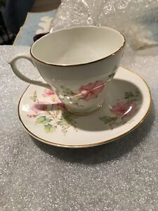 Vintage English Bone China Tea Cups Saucers Decorative Collectible