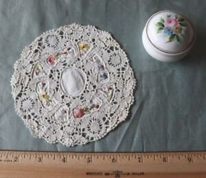 French Antique Handmade Linen Lace Floral Hand Embroidered Doily 5 5 Round