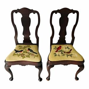 Vintage Set Of 2 Queen Ann Mahogany Handmade Needlepoint Seats Side Chairs