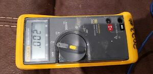 Fluke 70 Iii Multimeter With Replacement Test Leads