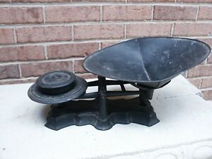Vintage Cast Iron Balance Scale W Pan Weight Reading Hardware Co Reading Pa