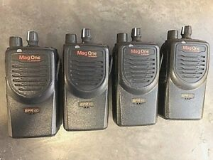 Lot Of 4 Motorola Mag One Uhf 8 Ch Radios Includes Battery And Antenna
