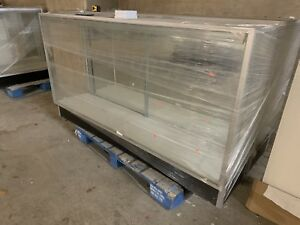 Glass Countertop Showcase With Built In Lighting 70x16x38