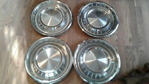 1962 Thru 1963 Lincoln Continental Lot Of 4 Hubcaps Wheel Covers Original