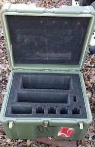 Hardigg 24 X 18 X 17 Case Pelican Chest Hinged Lid Cube Laptop Military Shipping