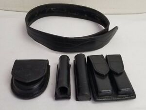 Size 34 Aker Vintage Leather Security Belt With Aker Accessories lot A3