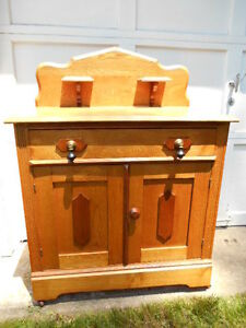 Beautiful Antique Victorian Walnut Washstand W Candle Stands