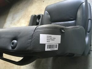 2005 Honda Odyssey Front Right Rh Passenger Side Seat W Center Console Grey Oem