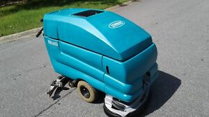 Reconditioned Tennant 5680 Walk Behind Floor Scrubber 28in