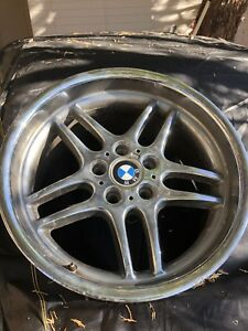 1 Bmw 740i 740il 750 Damaged Wheel Rim Style 37 E38 Rear