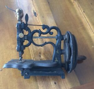 Antique Miniature Cast Iron Toy Sewing Machine Hand Crank Germany